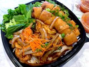shrimp salad w:eggs